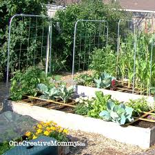 Square Foot Garden Layout Ideas Square Foot Garden Plans For Onecreativemommy