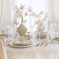 White Floral Arrangements Centerpieces by 30 Eye Catching Christmas Table Centerpieces Ideas