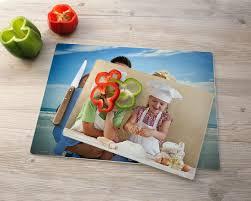 planche a decouper verre cuisine cadeau original planche à découper en verre personnalisée avec photo
