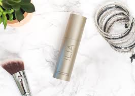 ilia vivid foundation review green beauty hg for dry skin