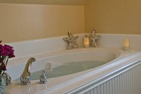 romantic jacuzzi suite for your vacation on cape cod