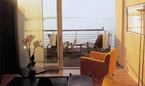 chambre sur pilotis l hôtel sur pilotis en suisse voyage luxe