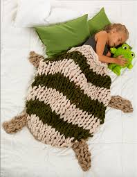 knit home decor simply maggie arm knitting tutorials diy home decor ideas