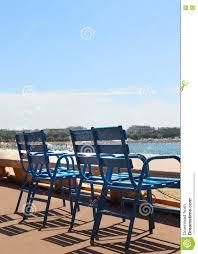 chaises cann es chaises bleues de cannes image stock image du
