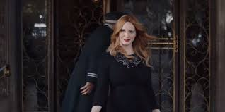 kia commercial actress christina hendricks chooses the kia cadenza in new commercial