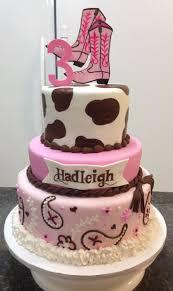 Best 25 Cowgirl Cakes Ideas On Pinterest Horse Theme Birthday