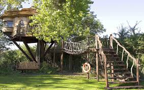 now that s a real millionaire play pad the luxury tree houses