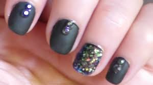 nail art for short nails series matte black with glitter using