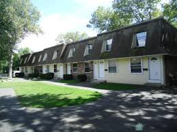 Two Bedroom Apartments In Ct by 20 Read St Two Br Bridgeport Ct Walk Score