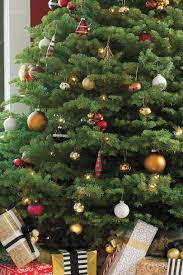 christmas tree get the look traditional christmas tree southern living