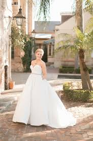 wedding dresses new orleans a traditional roosevelt new orleans wedding my hotel wedding