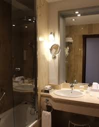 alles für badezimmer blick ins badezimmer alles funktioniert picture of hotel
