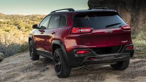 2014 jeep cherokee tires bbc autos jeep cherokee travelling a well worn trail