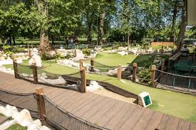 battersea park mini golf course putt in the park mini golf