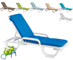Plastic Beach Chairs Grosfillex Chaise Lounge Chairs