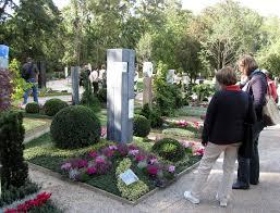 garten und landschaftsbau koblenz visitors at the cemetery exhibition koblenz national garden show