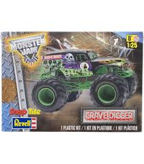 the first grave digger monster truck snaptite plastic model kit grave digger monster truck 1 25 joann