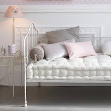 banquette de chambre chambre d enfant les plus jolies chambres de petites filles une