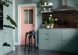 cuisine verte et grise voici 25 cuisines ultra colorées qu u0027on adore elle décoration
