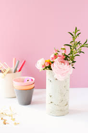 How To Draw A Vase Of Flowers Concrete Diy How To Make A Diy Concrete Vase With A Mailing Tube