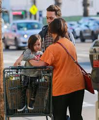jennifer love hewitt at grocery shopping at whole foods in la