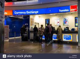 bureau de change 17 travelex stock s travelex stock alamy