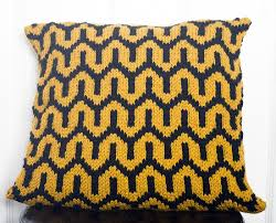 Knitted Cushion Cover Patterns Top 3 Free Bold Cushion Knitting Patterns U2022 Loveknitting Blog