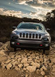 jeep cherokee grill logo 2014 jeep cherokee reviews and rating motor trend