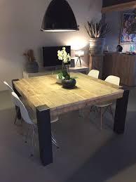 table cuisine verre table carrée avec pieds en métal brut déci bois unique deco