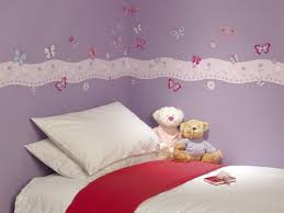 kinderzimmer schmetterling ideen und tipps für schöne schmetterling dekoration im kinderzimmer