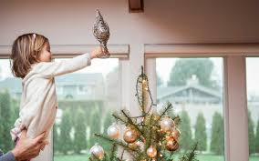 people who decorate for christmas earlier are happier according
