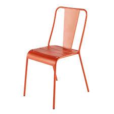 chaise de jardin chaise de jardin en métal orange maisons du monde