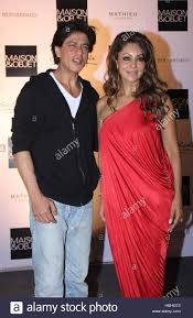 bollywood actor shahrukh khan and his wife gauri during a cocktail
