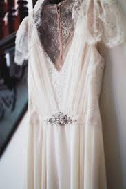 simple u0026 elegant victorian inspired backyard wedding california