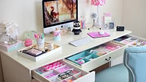 bureau de fille fabriquer un bureau soi même 22 idées inspirantes ado tiroir