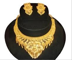 the best tips on buying gold jewellery how to purchase