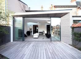 terrasse transparente extension contemporaine d une maison traditionnelle galerie