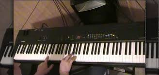 keyboard chords tutorial for beginners how to play a piano song using three major chords for beginners