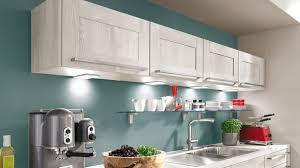 quel couleur pour une cuisine cuisine quelle couleur associer avec le bois darty vous