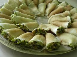 cuisine libanaise facile atayef petites crêpes libanaises fourrées basboussa