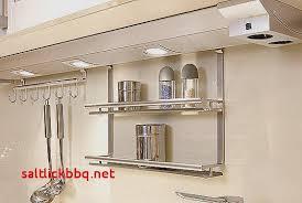 eclairage pour cuisine eclairage sous meuble cuisine a pile pour idees de deco de cuisine