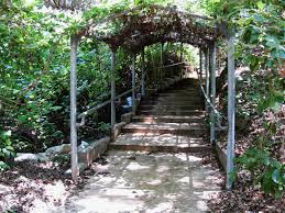 Ucr Botanical Gardens Joankoerper Archway To The Ucr Botanical Gardens Inlandia A