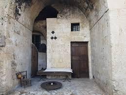 my stay in a luxury cave in le grotte della civita in matera