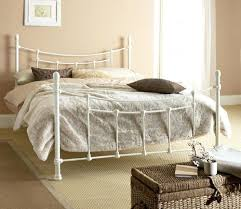 chambre fer forgé lit en fer l gantes chambres avec des lits en fer forg lit en fer