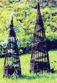 willow urn trellis wut