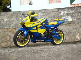honda cbr 600 yellow sportbike rider picture website