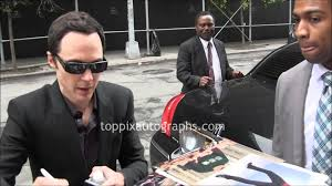 jim parsons new york jim parsons signing autographs at the daily show with jon stewart