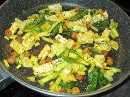 cuisiner chou pointu poêlée de chou chinois pak choi noisettes et tofu vegan