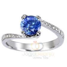 model cincin blue safir cincin kawin ronja dengan batu blue safir asli cincin kawin madina