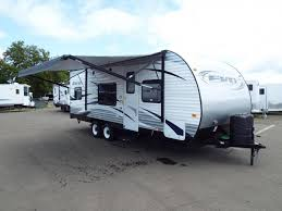 2017 evo 2250 travel trailer full walk on roof power awning